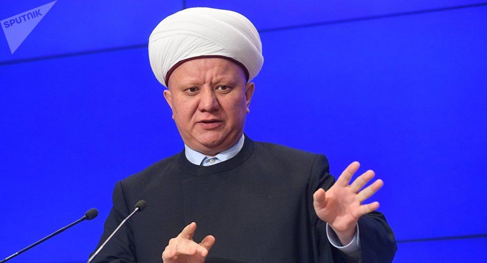 Председатель Духовного собрания мусульман России, член Общественной палаты РФ муфтий Альбир Крганов