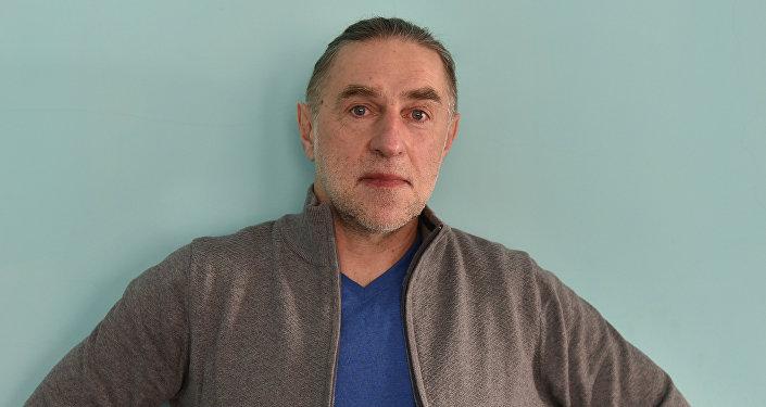 Писатель Игорь Шевчук
