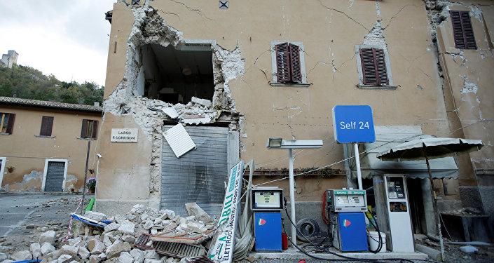 Более 70 подземных толчков произошло в центральной части Италии