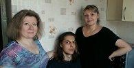 Андрей Моисеев вместе с мамой Анной Моисеевой и соседкой Натальей Кисарь спасли мужчину из горящей квартиры