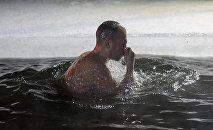 Празднование Крещения в регионах России