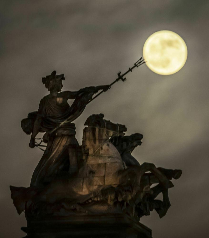 Кровавая луна в Англии