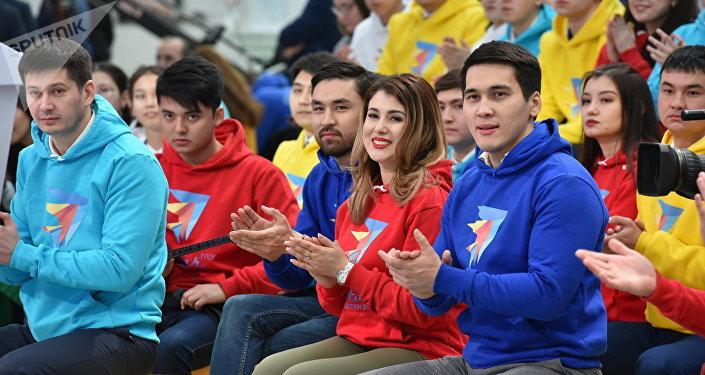 Участники церемонии открытия Года молодежи Тәуелсіздіктің ұрпақтары