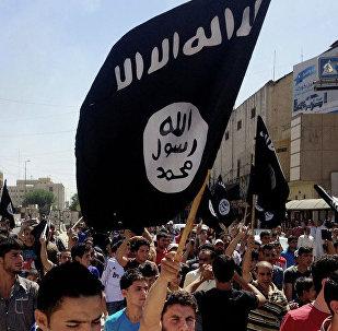 Архивное фото боевиков Исламского государства