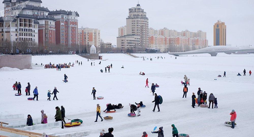 Астананың қысқы көрінісі. Есіл өзені жағалауы