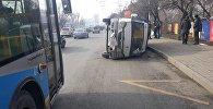 Водителю ГАЗели стало плохо, автомобиль перевернулся
