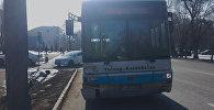Toyota столкнулась с пассажирским автобусом