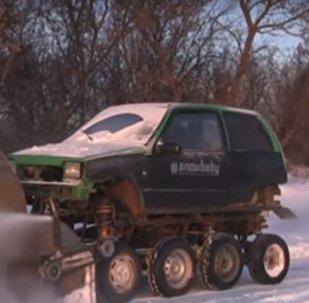 Собранная снегоуборочная машина
