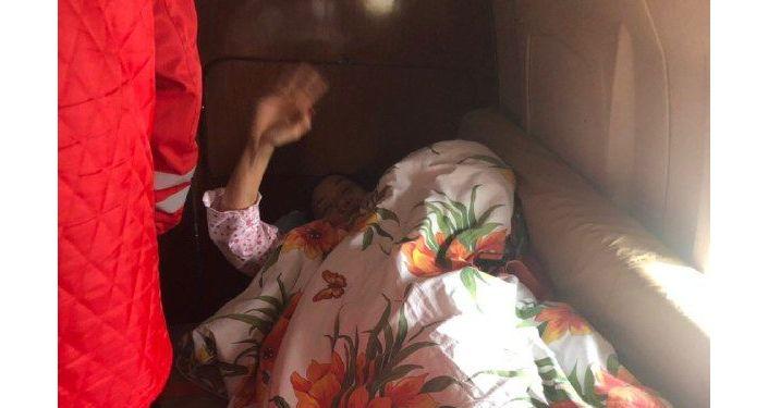 Двух граждан Казахстана транспортировали в Астану из Бишкека бортом санавиации
