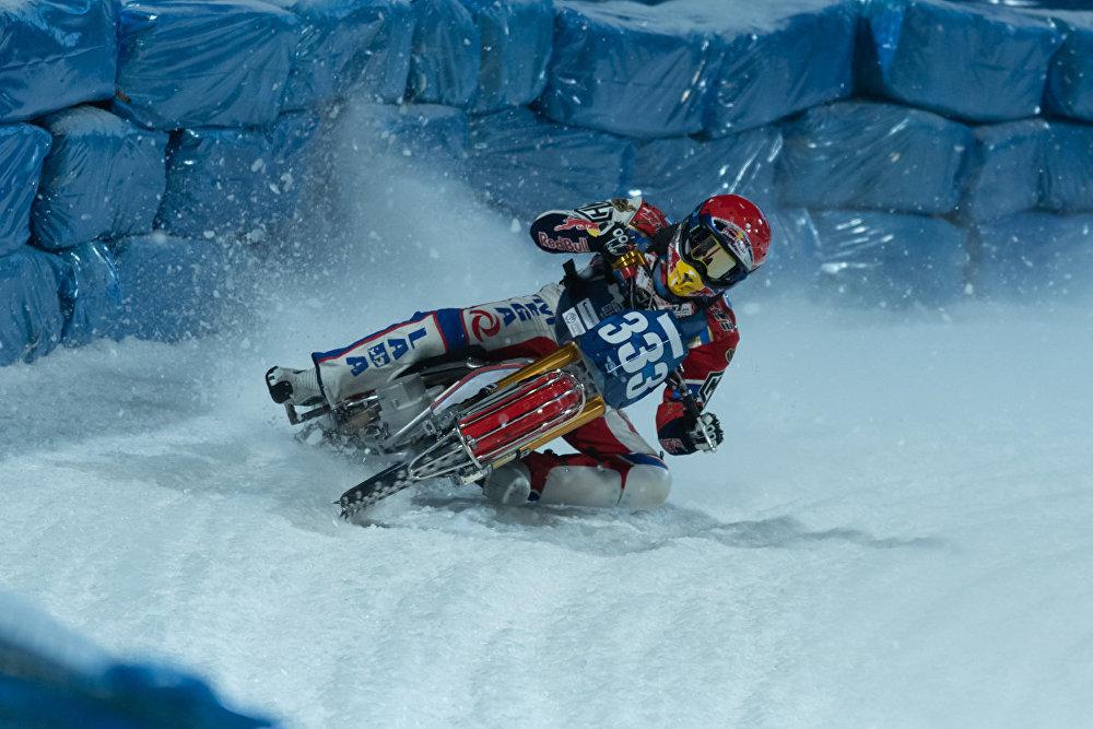 Финал личного Чемпионата мира по мотогонкам на льду
