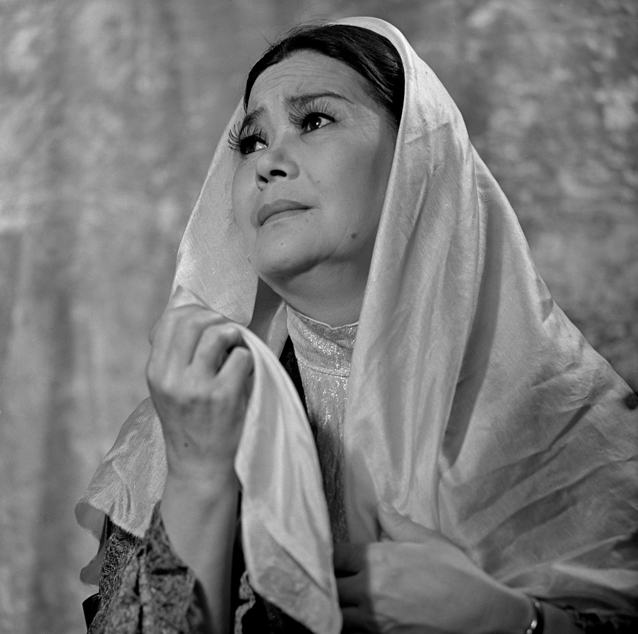 Әмина Өмірзақова Шыңғыс Айтматовтың туындысының негізінде қойылған Жәмила спектаклінде басты рөлді сомдады