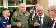 Полковник Владимир Ерсак (слева) и его боевые товарищи на приеме в Посольстве РФ в Кабуле