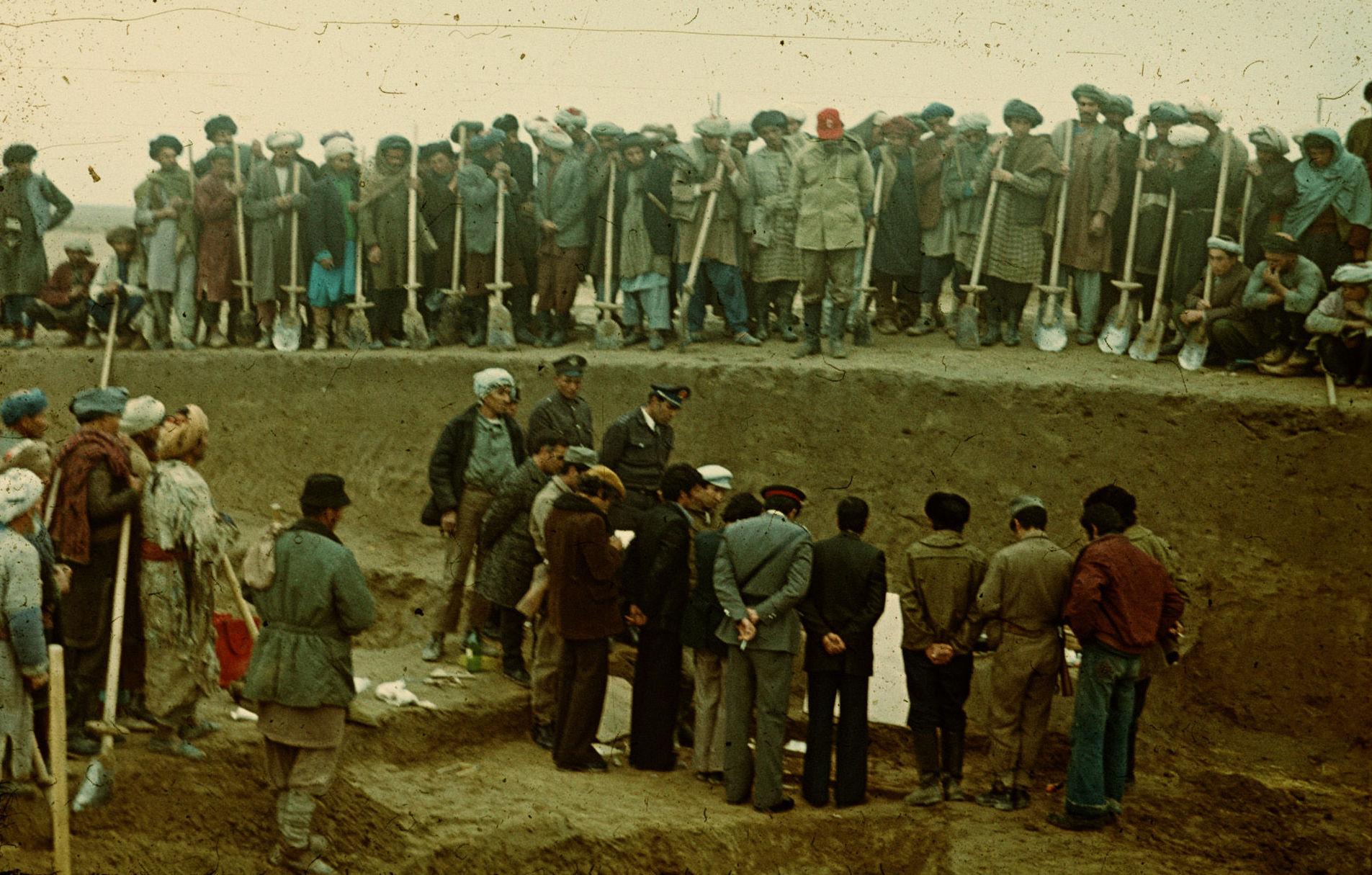 На месте археологических раскопок недалеко от афганского города Шибарган