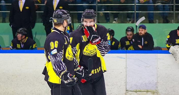 Архивное фото хоккейного клуба Сарыарка