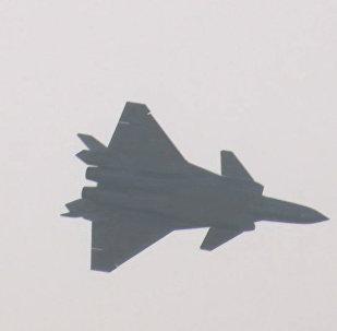 Кадры дебютного полета китайского истребителя пятого поколения J-20