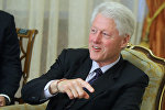 Премьер-министр РФ Владимир Путин встретился с с экс-президентом США Биллом Клинтоном в Ново-Огарево