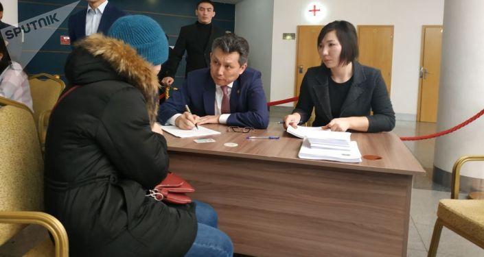 Астана әкімі тұрғындарды өзі қабылдап жатыр