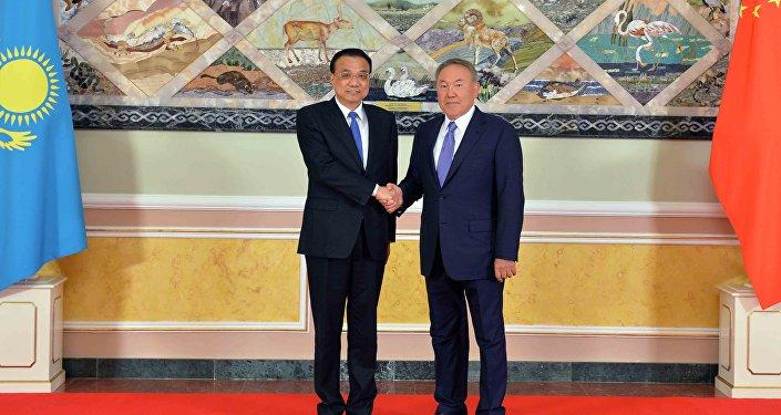 Встреча Нурсултана Назарбаева и Ли Кэцяна