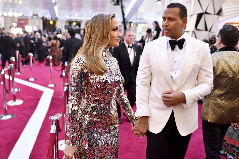 Дженнифер Лопес и Алекс Родригес на красной дорожке церемонии награждения Оскар-2019
