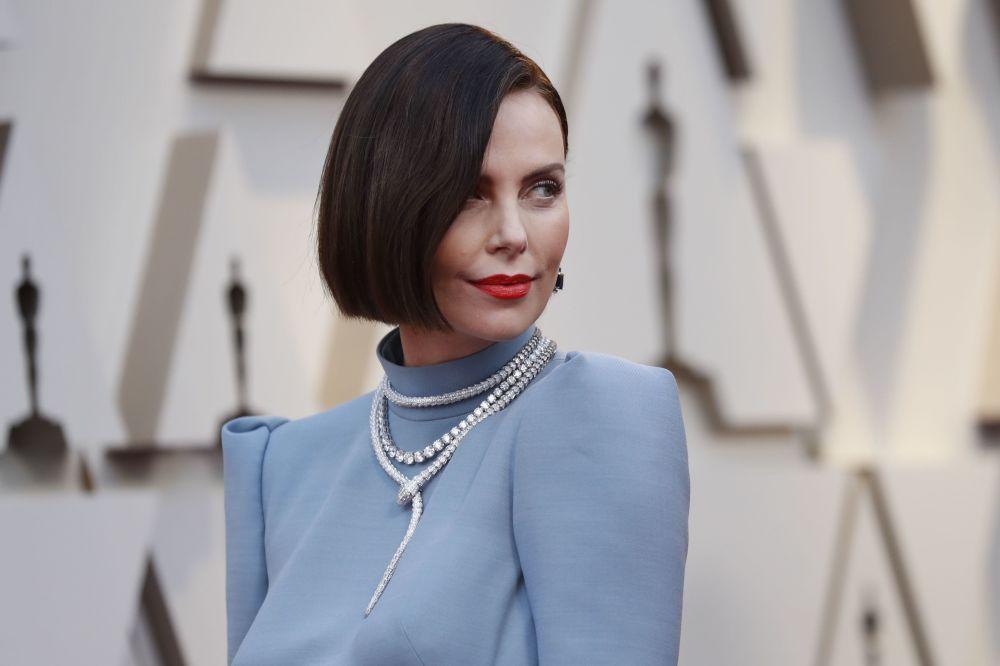 Актриса Шарлиз Терон на красной дорожке церемонии вручения Оскар-2019