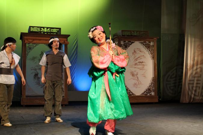 Мемлекеттік Корей музыкалық комедия театрындағы Син Чен ден қойылымы