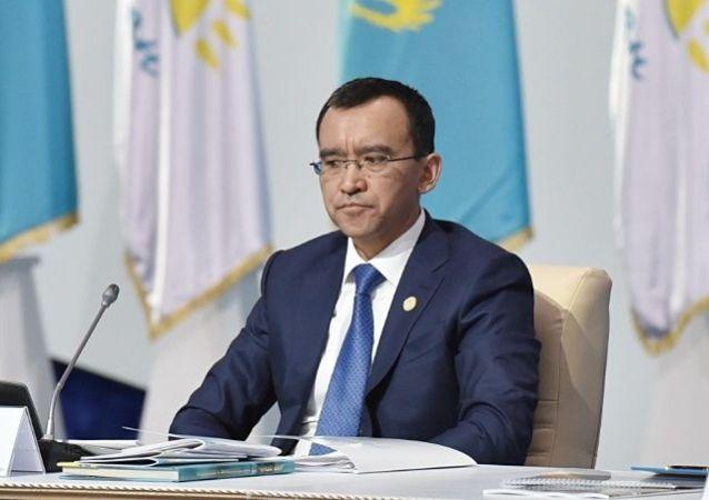 Маулен Ашимбаев на съезде партии Нур Отан