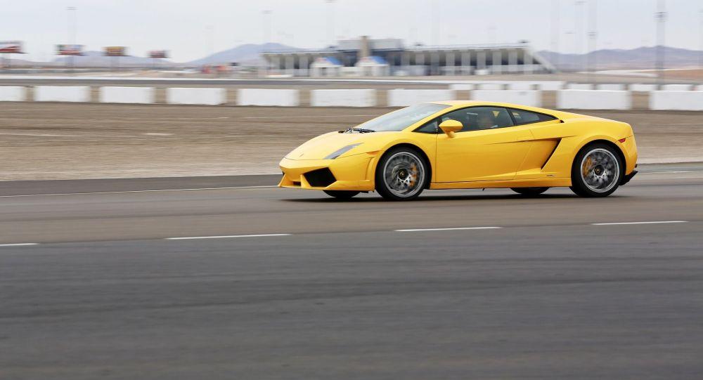 Автомобиль Lamborghini, иллюстративное фото