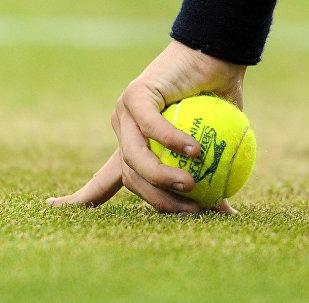 Теннис.