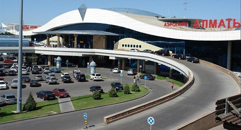 Архивное фото аэропорта Алматы