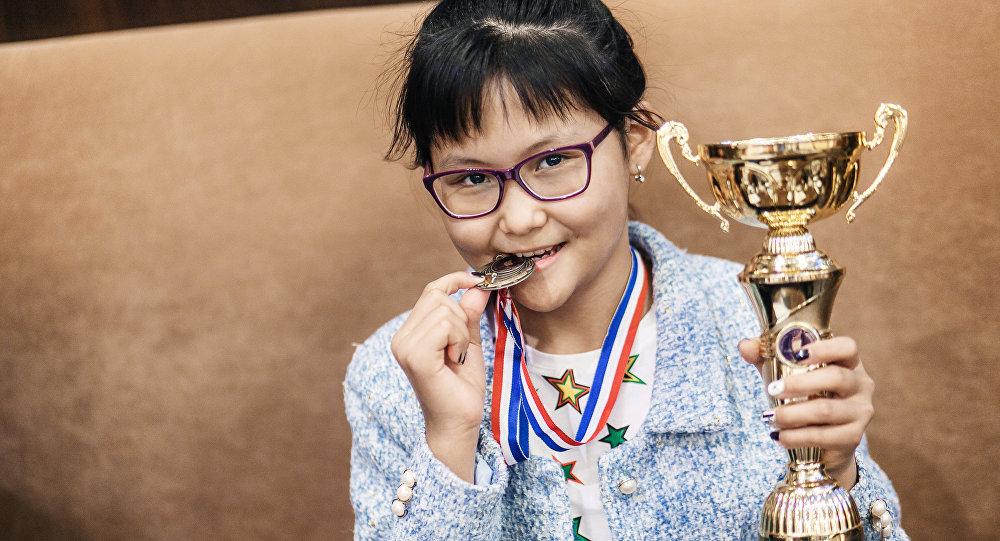 Юная шахматистка Бибисара Асаубаева возвращается в Казахстан