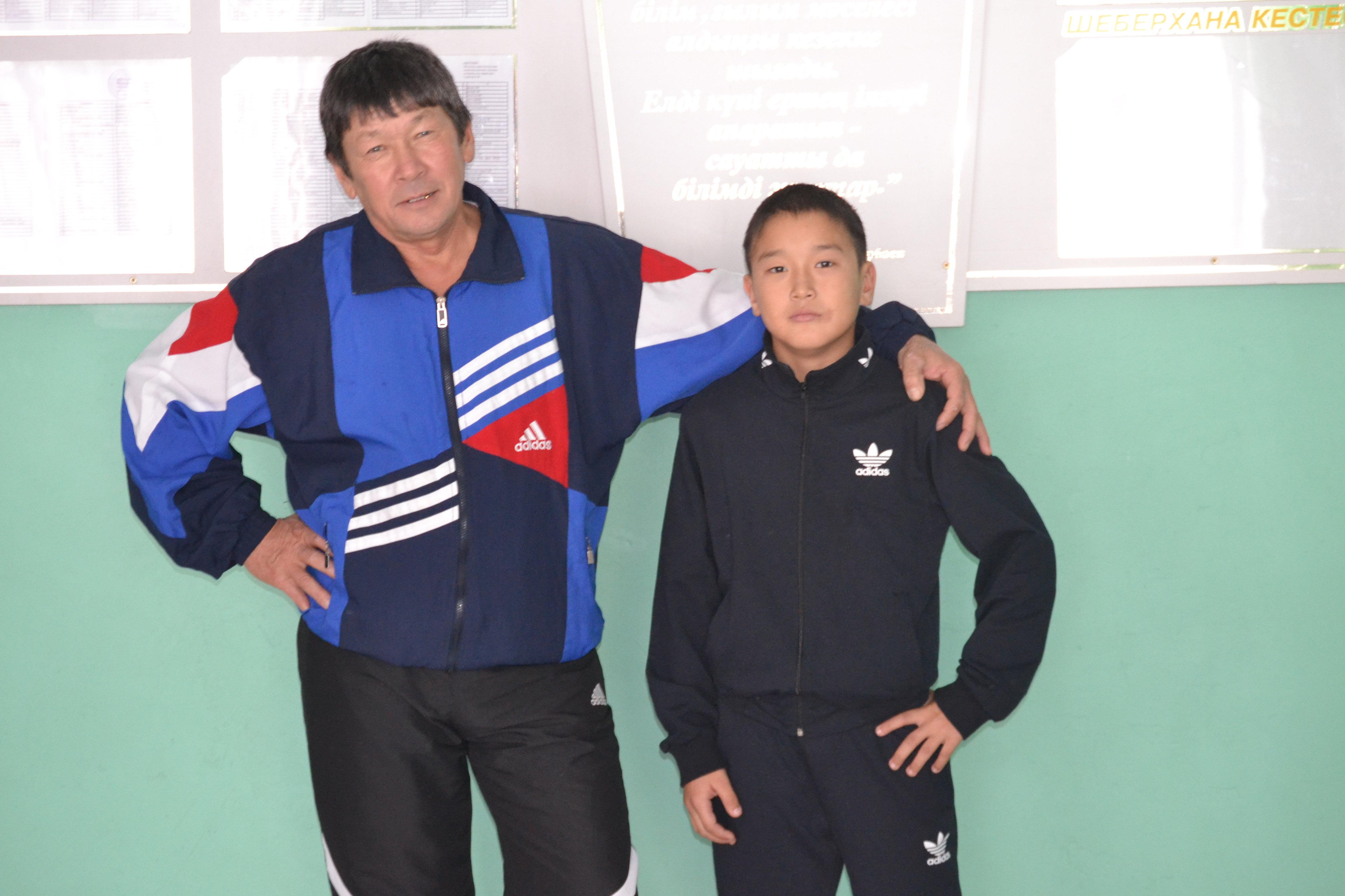 Айбатыр Мурзабеков и его тренер Нурлан Дакишев