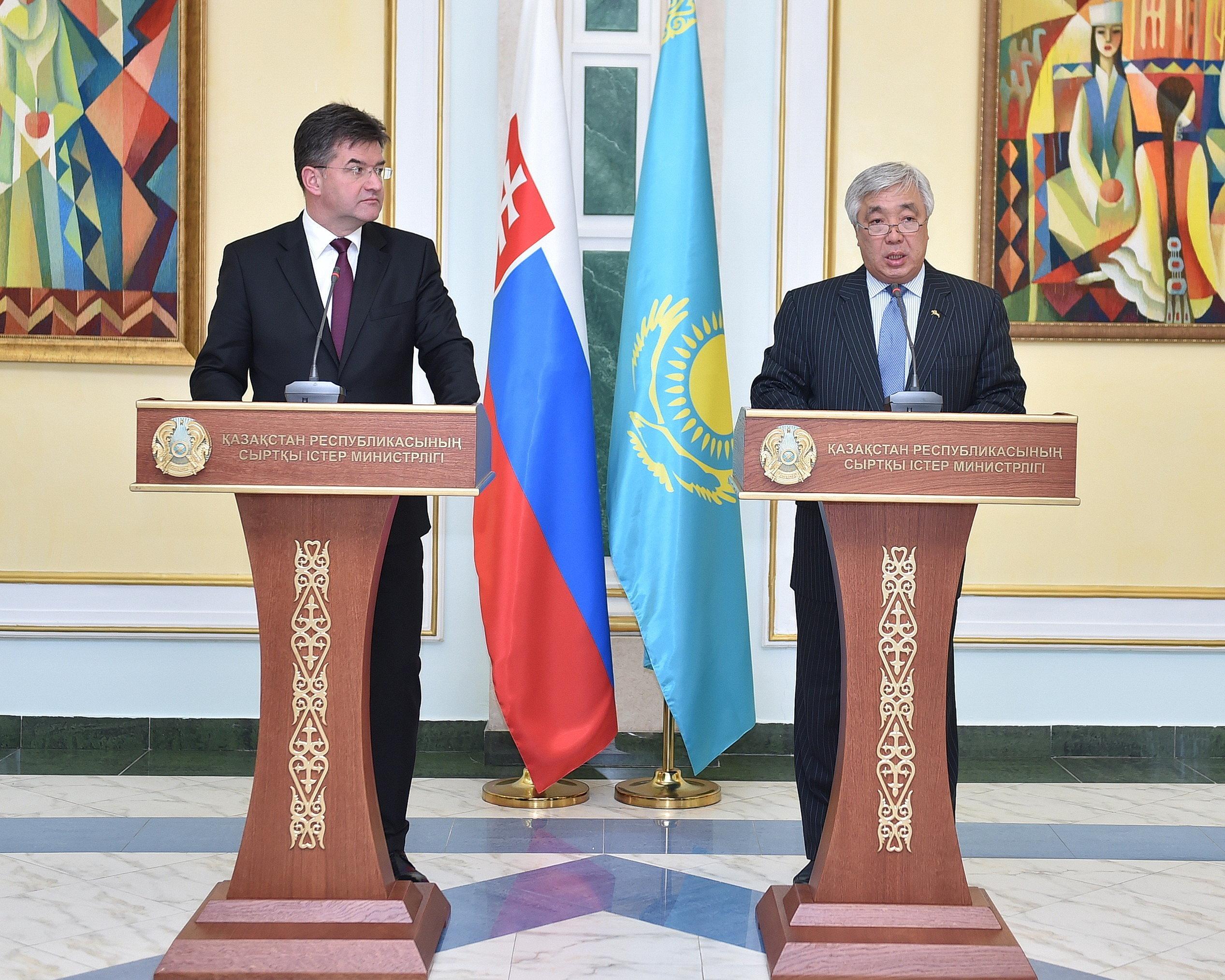 Министры иностранных дел Словакии и Казахстана Мирослав Лайчак и Ерлан Идрисов