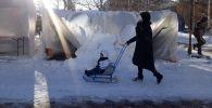 Талым снегом сломало юрты на столичном Арбате