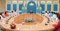 Нурсултан Назарбаев встретился с представительницами женской общественности