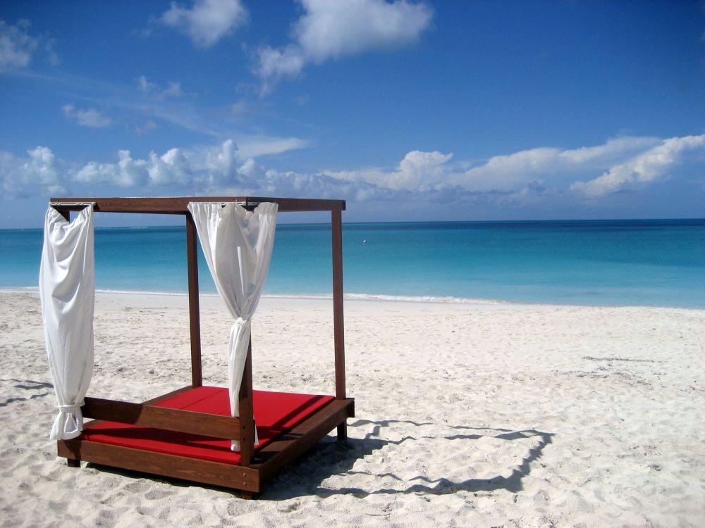 Пляж Grace Bay в Теркс и Кайкос, Карибы