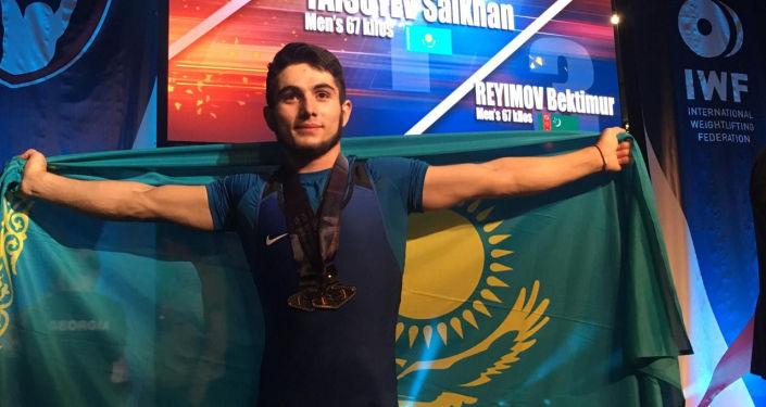 Тяжелоатлет Сайхан Тайсуев