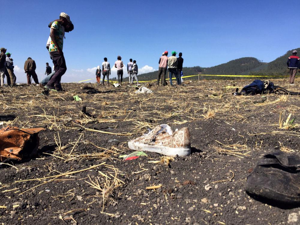 Место крушения самолета авиакомпании Ethiopian Airlines