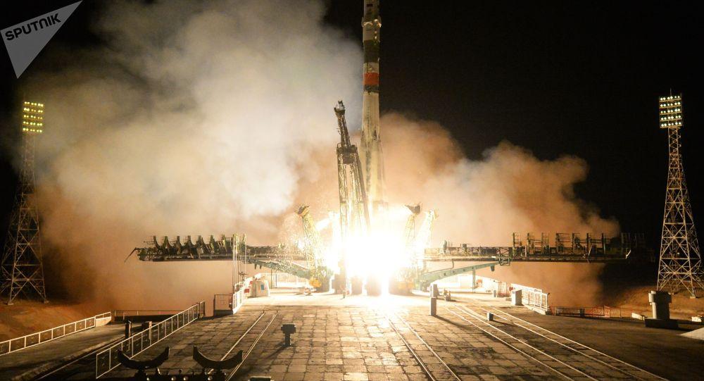 Старт пилотируемого корабля Союз МС-12