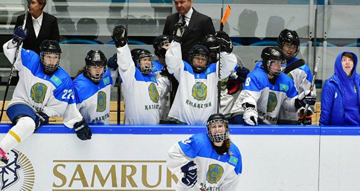 Женская сборная РК по хоккею. Архивное фото