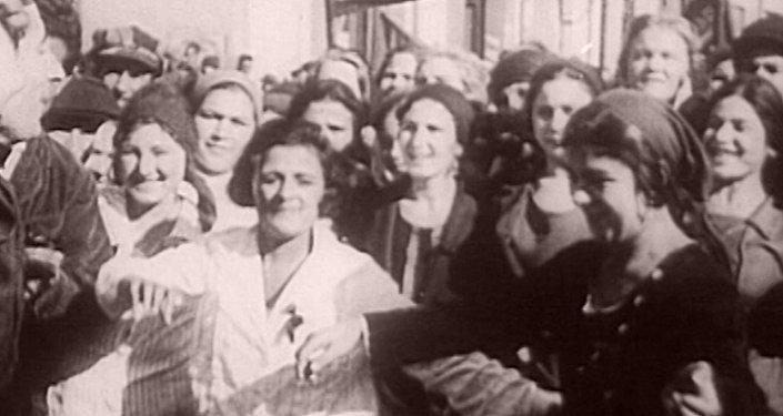 Праздник былой страны: 7 ноября в архивных кадрах