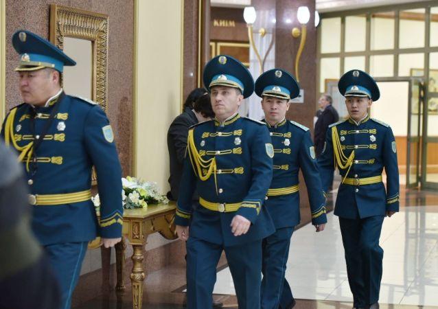 Гвардейцы президентского полка в Акорде