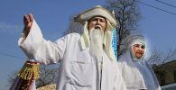 Праздничное шествие в честь праздника Наурыз, архивное фото
