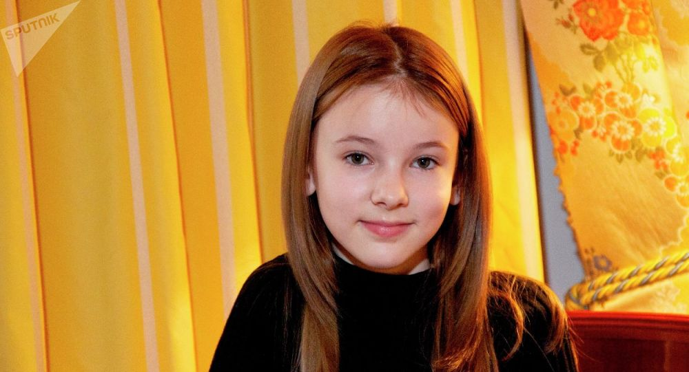 Данэлия Тулешова впервые исполнила песню Келли Кларксон эксклюзивно для Sputnik Казахстан