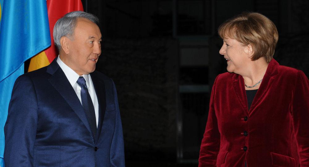 Нұрсұлтан Назарбаев пен Ангела Меркель