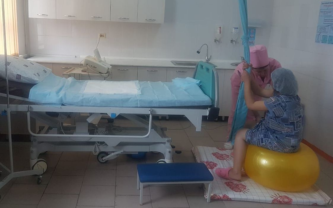 Роды с помощью каната в Туркестанской области