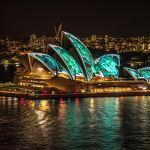 Вид на Сиднейский оперный театр в Австралии