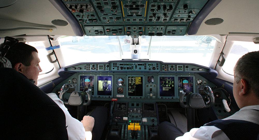 Самолет совершил вынужденную посадку вКостанае из-за нарушителя внаушниках