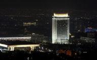 Гостиница Казахстан в Алматы во время акции Час Земли