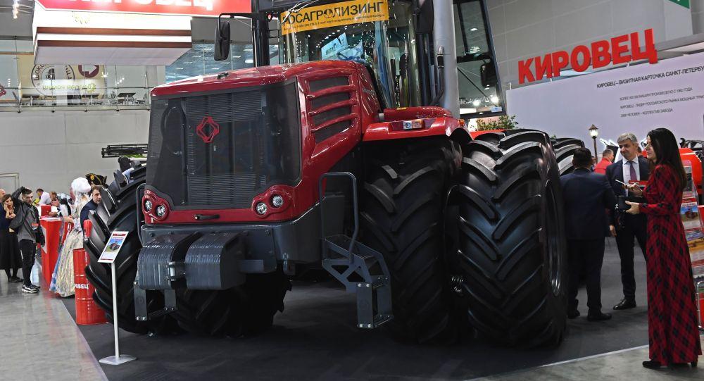 Трактор Кировец К-7, архивное фото