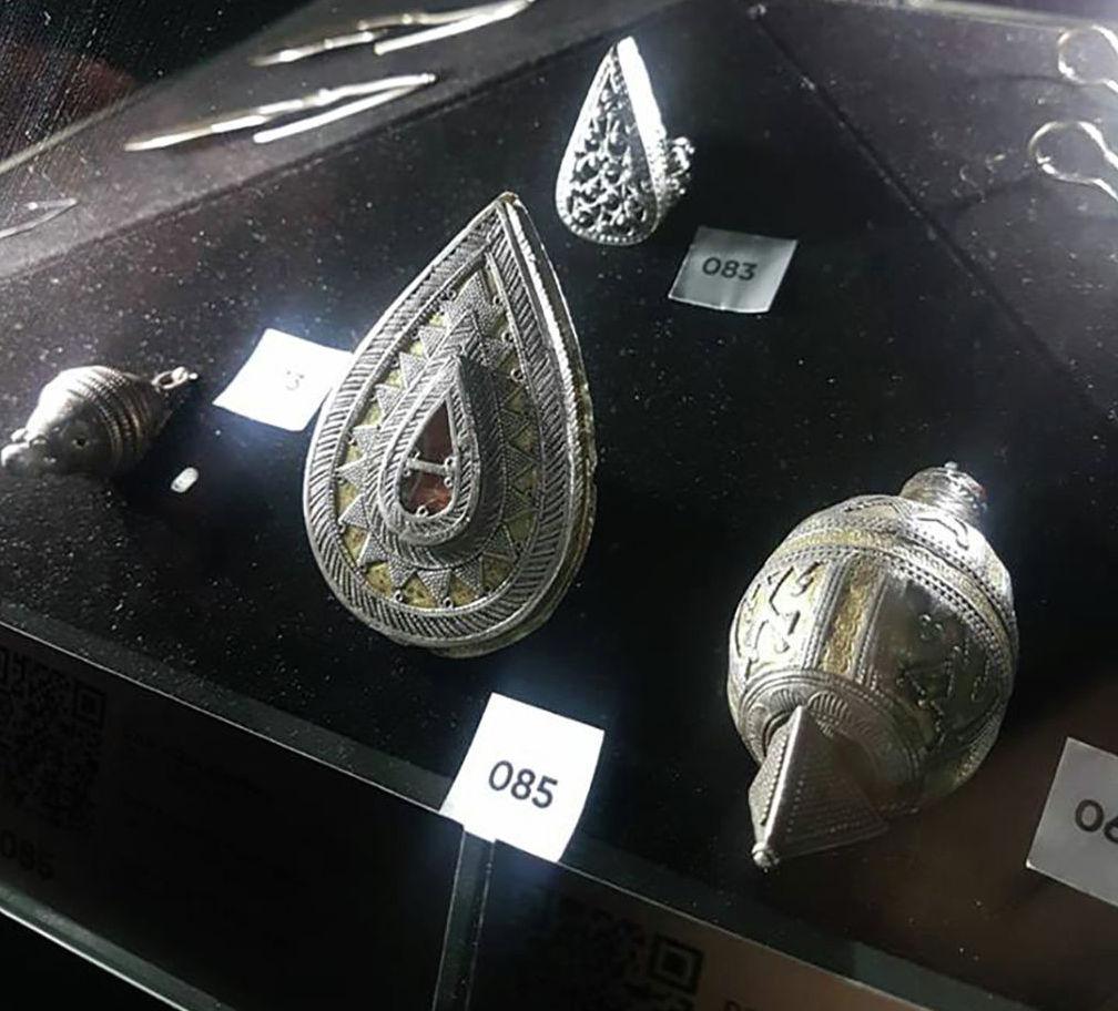 Перстень каплевидной формы